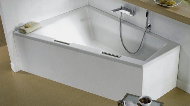 Чугунные угловые ванны